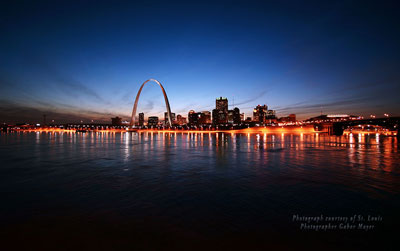 arch-river-at-night_gabor_400x251